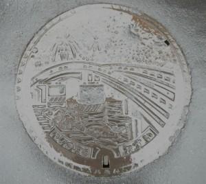 DSCN9669 石巻マンホール